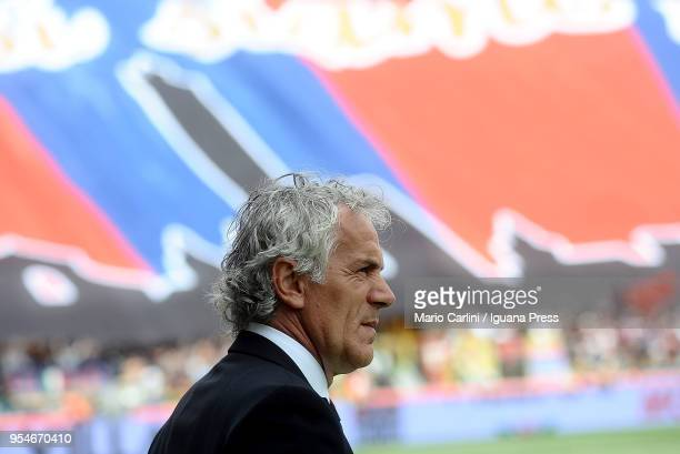Roberto Donadoni head coach of Bologna FC looks on prior the beginning of the serie A match between Bologna FC and AC Milan at Stadio Renato Dall'Ara...