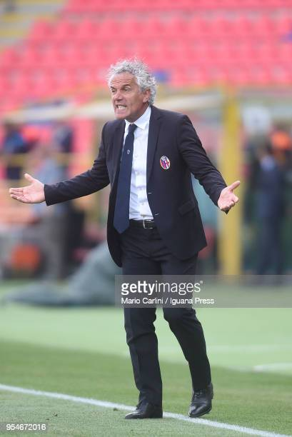 Roberto Donadoni head coach of Bologna FC reacts during the serie A match between Bologna FC and AC Milan at Stadio Renato Dall'Ara on April 29 2018...