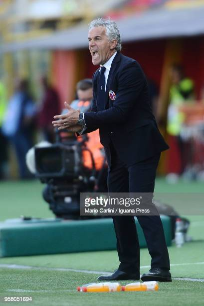 Roberto Donadoni head coach of Bologna FC reacts during the serie A match between Bologna FC and AC Chievo Verona at Stadio Renato Dall'Ara on May 13...