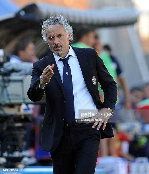 Roberto Donadoni head coach of Parma during the Serie A match between US Lecce and Parma FC at Stadio Via del Mare on April 29 2012 in Lecce Italy