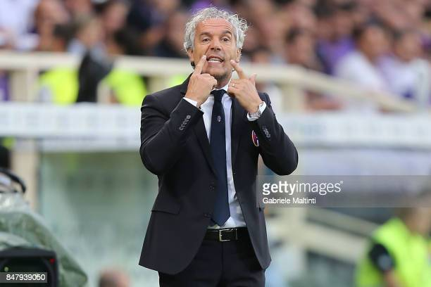 Roberto Donadoni manager of Bologna FC gestures during the Serie A match between ACF Fiorentina and Bologna FC at Stadio Artemio Franchi on September...