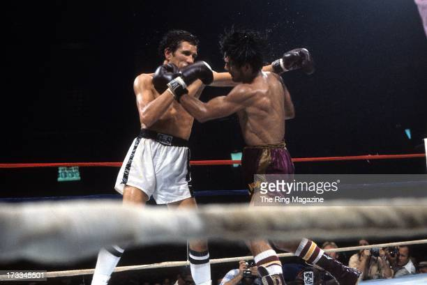 Roberto Duran blocks a punch against Edwin Viruet during the fight at the Spectrum in Philadelphia Pennsylvania Roberto Duran won the WBA World...