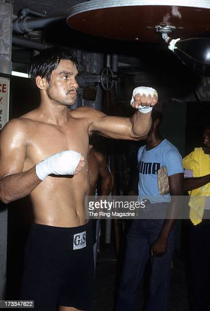 Roberto Duran trains with the speed bag at Gleason's Gym
