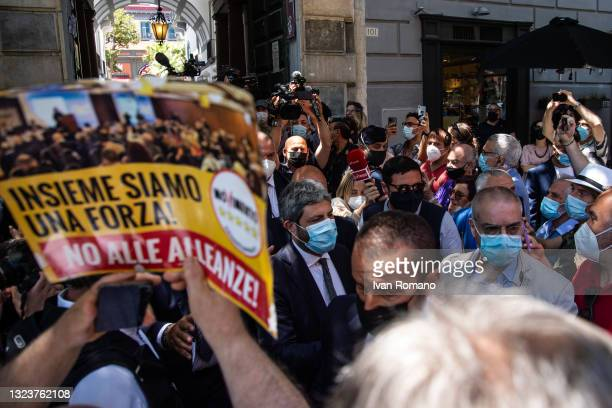Roberto Fico, president of the Chamber of Deputies among the activists of the 5 Star Movement and a cartel against the alliance with the Democratic...