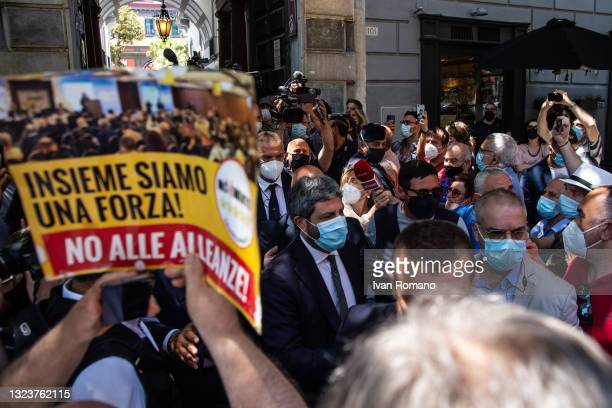 Roberto Fico, president of the Chamber of Deputies, among the activists of the 5 Star Movement and a cartel against the alliance with the Democratic...