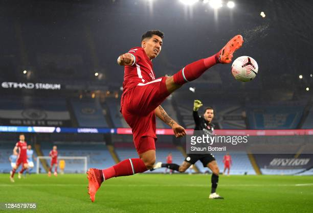 Roberto Firminho of Liverpool controls the ball during the Premier League match between Manchester City and Liverpool at Etihad Stadium on November...