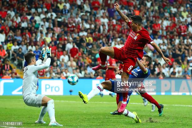 Roberto Firminio of Liverpool provides an assist for Sadio Mane of Liverpool to score a goal to make the score 1-1 during the UEFA Super Cup match...