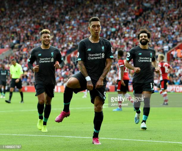 Roberto Firmino of Liverpool celebrating after scoring the second goal during the Premier League match between Southampton FC and Liverpool FC at St...