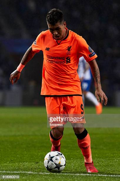 Roberto Firmino of Liverpool FC in action during the UEFA Champions League Round of 16 First Leg match between FC Porto and Liverpool FC at Estadio...