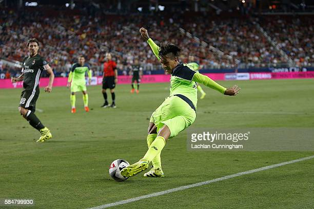 Roberto Firmino of Liverpool FC passes the ball during the International Champions Cup match against AC Milan at Levi's Stadium on July 30 2016 in...