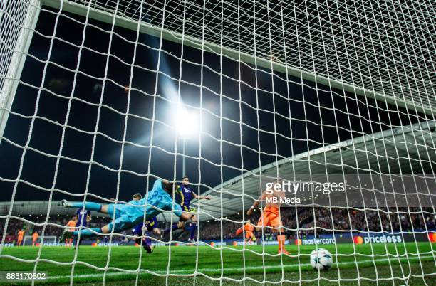 Roberto Firmino of Liverpool FC scoring first goal against Jasmin Handanovic of NK Maribor during UEFA Champions League 2017/18 group E match between...