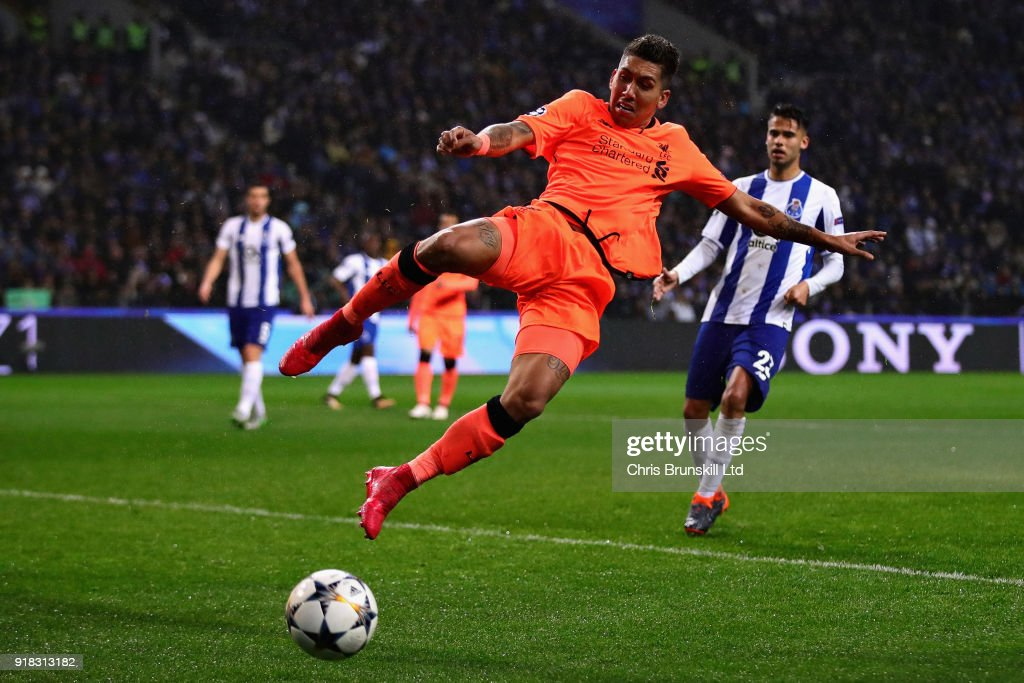 Roberto Firmino of Liverpool in action during the UEFA Champions League Round of 16 First Leg match between FC Porto and Liverpool at Estadio do Dragao on February 14, 2018 in Porto, Portugal.