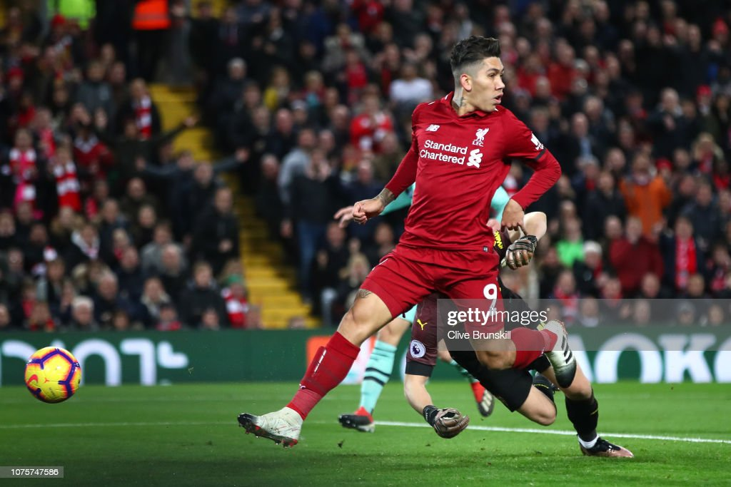 Liverpool FC v Arsenal FC - Premier League : Fotografía de noticias