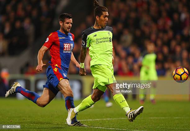 Roberto Firmino of Liverpool scores his team's fourth goal of the game during the Premier League match between Crystal Palace and Liverpool at...