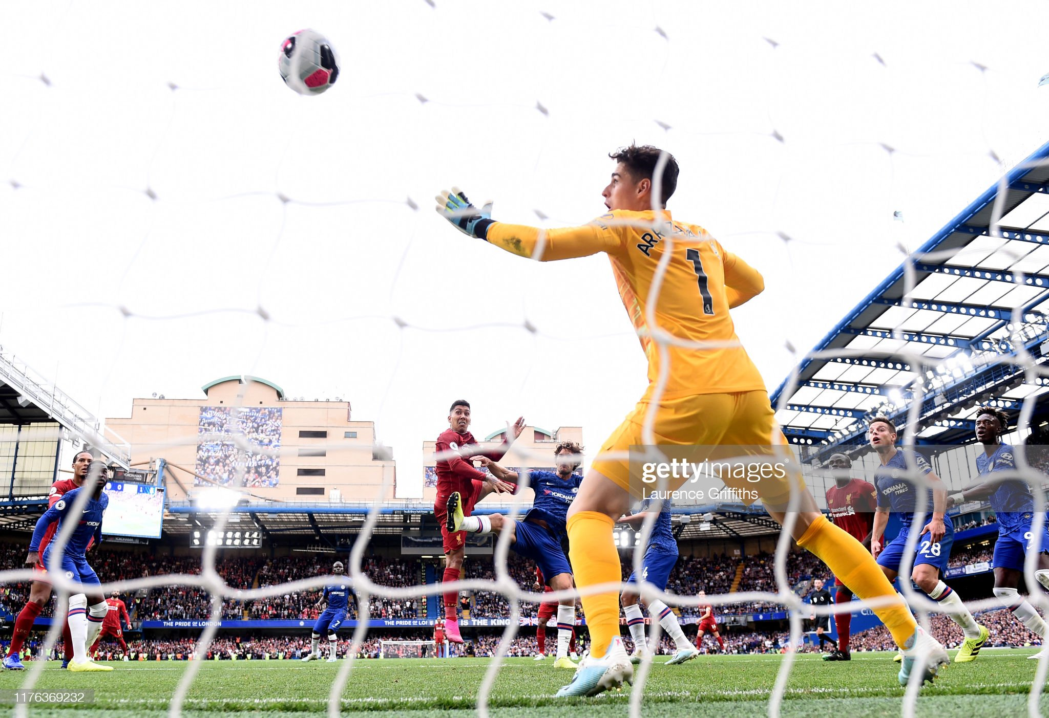 Liverpool win at Chelsea, as West Ham see-off United