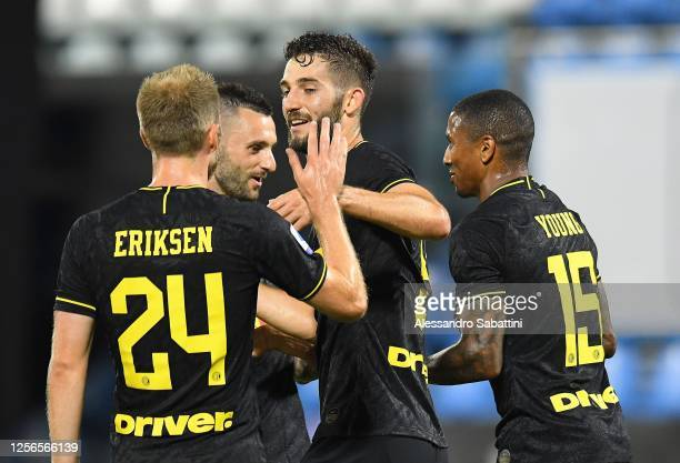Roberto Gagliardini of FC Internazionale celebrates after scoring his team's fourth goal during the Serie A match between SPAL and FC Internazionale...
