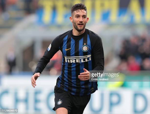 Roberto Gagliardini of FC Internazionale celebrates his goal during the Serie A match between FC Internazionale and SPAL at Stadio Giuseppe Meazza on...