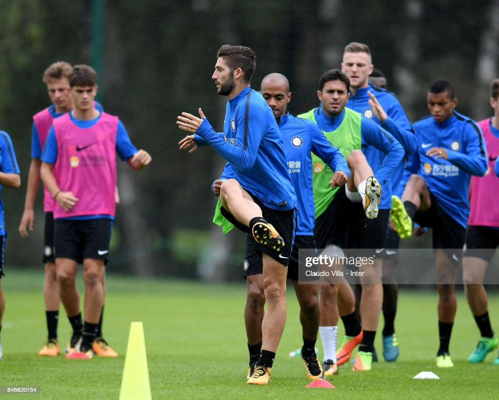 Roberto Gagliardini of FC Internazionale in action during a training session at Suning Training Center at Appiano Gentile on September 14, 2017 in Como, Italy.