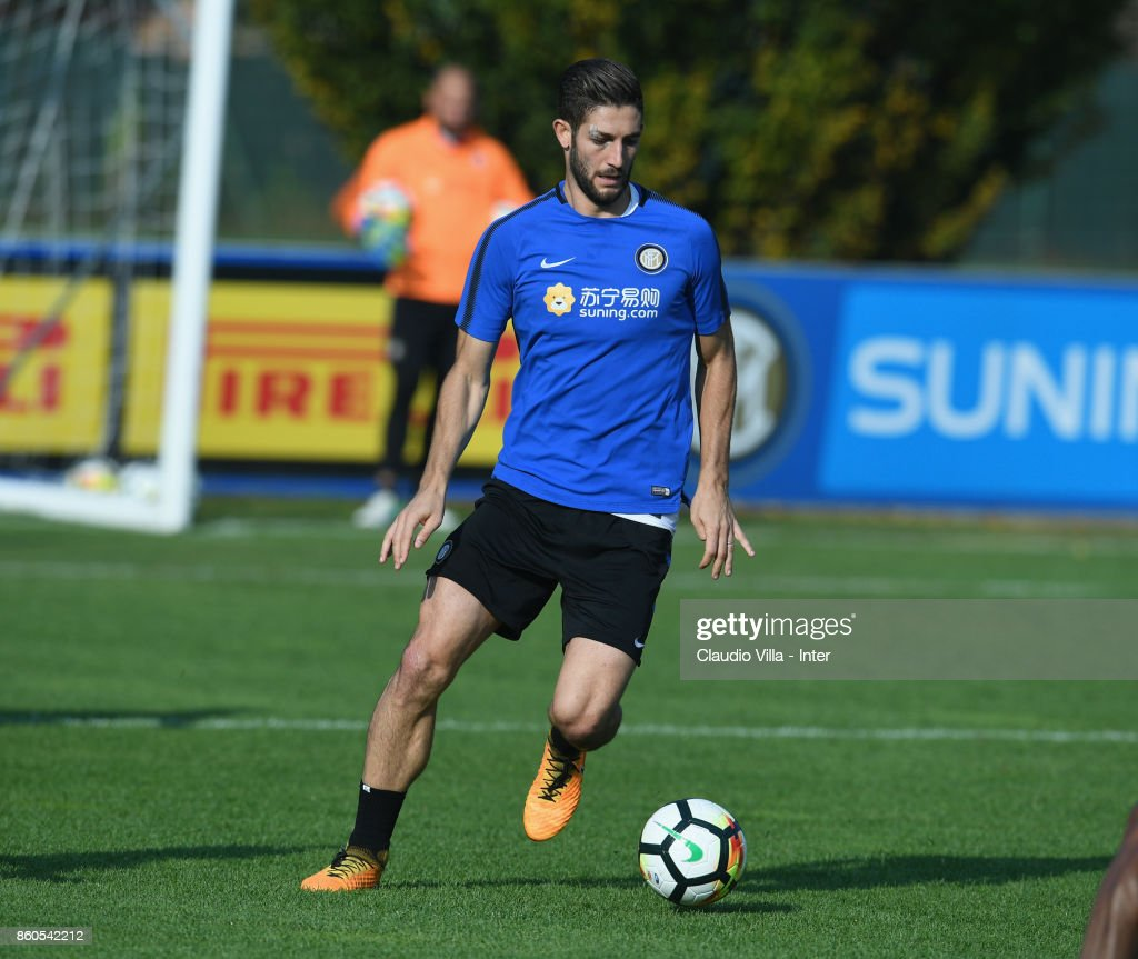 Roberto Gagliardini of FC Internazionale in action during the training session at Suning Training Center at Appiano Gentile on October 12, 2017 in Como, Italy.