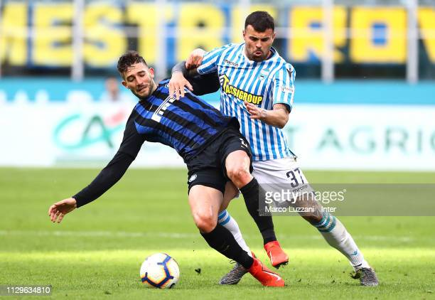 Roberto Gagliardini of FC Internazionale in action during the Serie A match between FC Internazionale and SPAL at Stadio Giuseppe Meazza on March 10...