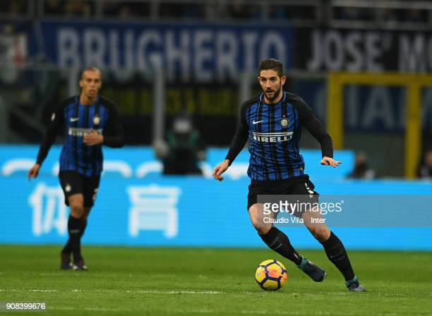 Roberto Gagliardini of FC Internazionale in action during the Serie A match between FC Internazionale and AS Roma at Stadio Giuseppe Meazza on...