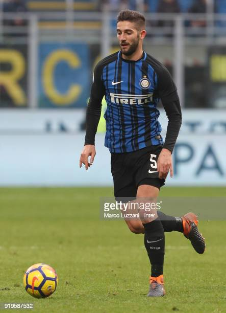 Roberto Gagliardini of FC Internazionale in action during the serie A match between FC Internazionale and Bologna FC at Stadio Giuseppe Meazza on...