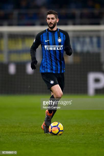 Roberto Gagliardini of FC Internazionale in action during the Serie A football match between FC Internazionale and Benevento Calcio FC Internazionale...