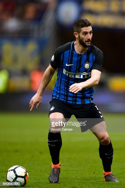 Roberto Gagliardini of FC Internazionale in action during the Serie A football match between FC Internazionale and Hellas Verona FC FC Internazionale...