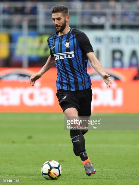 Roberto Gagliardini of FC Internazionale in action during the serie A match between FC Internazionale and Hellas Verona FC at Stadio Giuseppe Meazza...