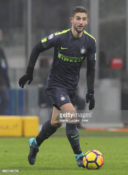 Roberto Gagliardini of FC Internazionale in action during the TIM Cup match between FC Internazionale and Pordenone at Stadio Giuseppe Meazza on...