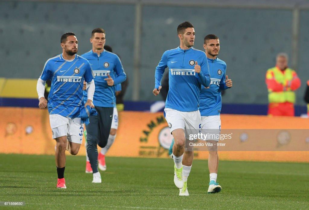 Roberto Gagliardini of FC Internazionale (C) in action during warm up prior to the Serie A match between ACF Fiorentina v FC Internazionale at Stadio Artemio Franchi on April 22, 2017 in Florence, Italy.