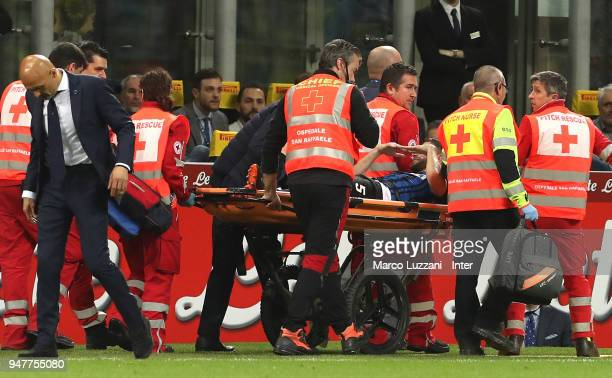 Roberto Gagliardini of FC Internazionale leaves the on a stretcher during the serie A match between FC Internazionale and Cagliari Calcio at Stadio...