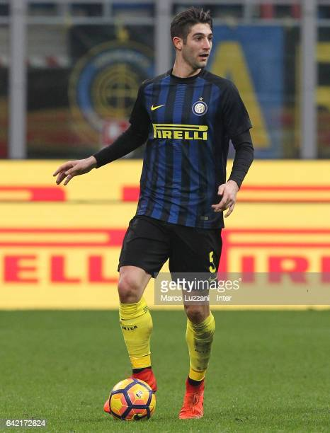 Roberto Gagliardini of FC Internazionale Milano in action during the Serie A match between FC Internazionale and Empoli FC at Stadio Giuseppe Meazza...