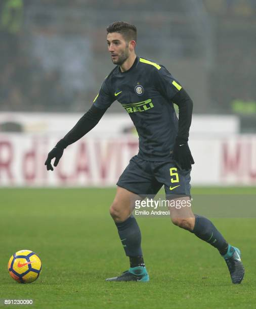 Roberto Gagliardini of FC Internazionale Milano in action during the TIM Cup match between FC Internazionale and Pordenone at Stadio Giuseppe Meazza...