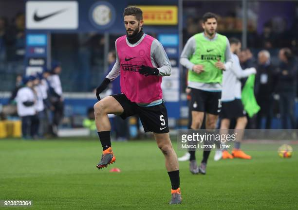 Roberto Gagliardini of FC Internazionale warms up ahead of the serie A match between FC Internazionale and Benevento Calcio at Stadio Giuseppe Meazza...