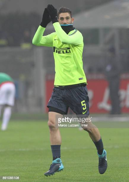 Roberto Gagliardini of FC Internazionale warms up ahead of the TIM Cup match between FC Internazionale and Pordenone at Stadio Giuseppe Meazza on...