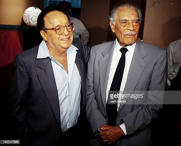 Roberto Gomez Bolaño and former soccer player Ignacio Trelles at restaurant Poliforum Siqueiros on July 28 2003 in Mexico City Mexico On February 29...