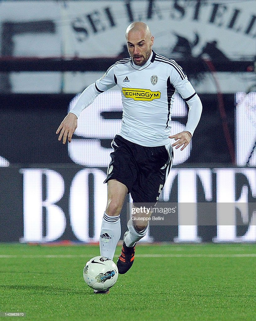 Roberto Guana of Cesena in action during the Serie A match ...