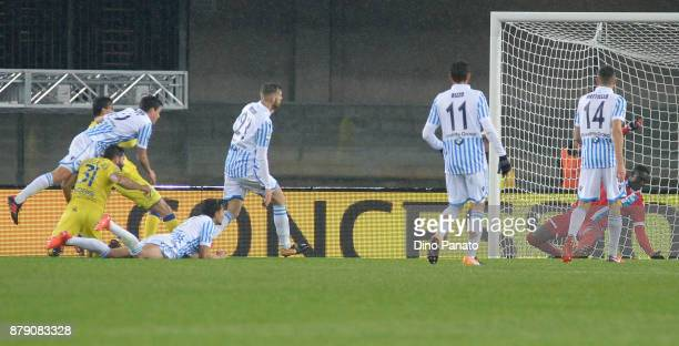 Roberto Inglese of Chievo Verona scores his teams first goal during the Serie A match between AC Chievo Verona and Spal at Stadio Marc'Antonio...