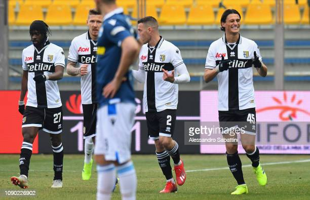 Roberto Inglese of Parma Calcio celebrates after scoring the opening goal with team mates during the Serie A match between Parma Calcio and SPAL at...