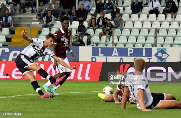 Roberto Inglese of Parma Calcio scores the 32 goal during the Serie A match between Parma Calcio and Torino FC at Stadio Ennio Tardini on September...