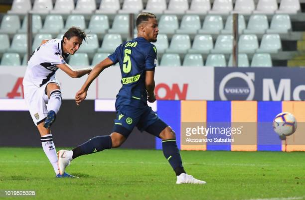 Roberto Inglese of Parma Calcio scores the opening goal during the serie A match between Parma Calcio and Udinese at Stadio Ennio Tardini on August...
