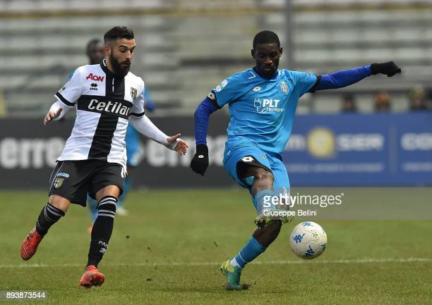 Roberto Insigne of Parma Calcio and Isaac Donkor of AC Cesena in action during the Serie B match between Parma Calcio and AC Cesena at Stadio Ennio...