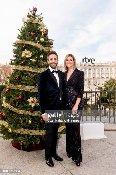 Roberto Leal and Anne Igartiburu attend RTVE Christmas Celebration photocall on December 17 2018 in Madrid Spain