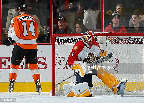 Roberto Luongo of the Florida Panthers celebrates after he blocked a shot by Sean Couturier of the Philadelphia Flyers in the shootout on December 18...