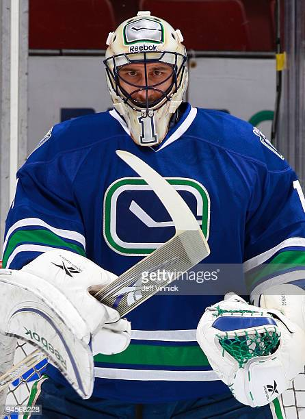 Roberto Luongo of the Vancouver Canucks gestures to a teammate before their game at General Motors Place on December 16, 2009 in Vancouver, British...