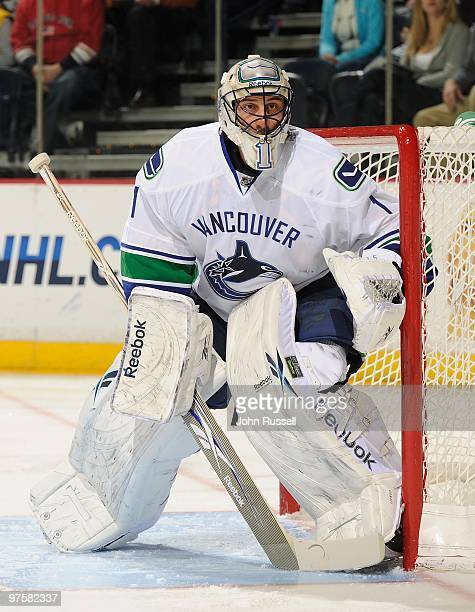 Roberto Luongo of the Vancouver Canucks minds the net against the Nashville Predators on March 7 2010 at the Bridgestone Arena in Nashville Tennessee