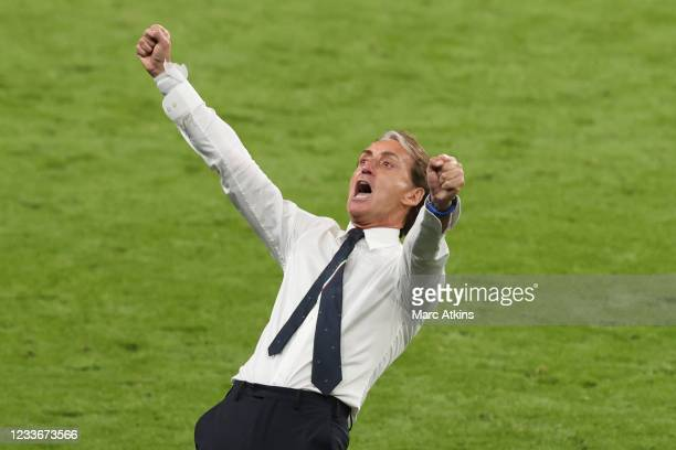 Roberto Mancini, head coach of Italy celebrates the win during the UEFA Euro 2020 Championship Round of 16 match between Italy and Austria at Wembley...