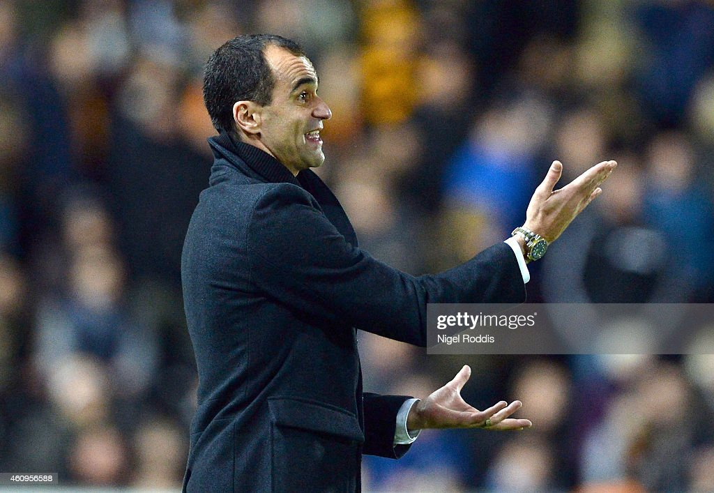 Roberto Martinez manager of Everton during the Barclays Premier League match between Hull City and Everton at KC Stadium on January 1, 2015 in Hull, England.