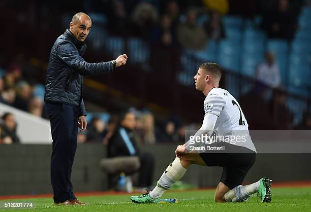 Roberto Martinez Manager of Everton gives instruction to Ross Barkley during the Barclays Premier League match between Aston Villa and Everton at...